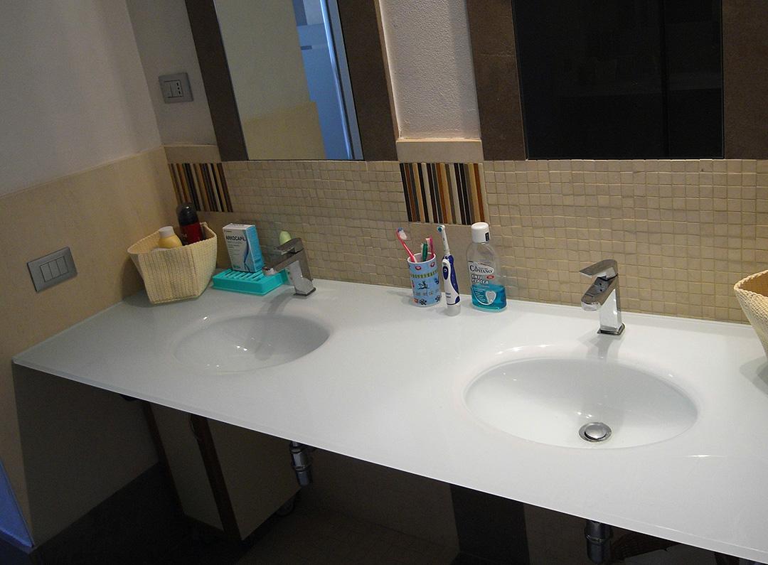 Realizzazione top bagno, elementi in vetro per il bagno - Vetreria ...